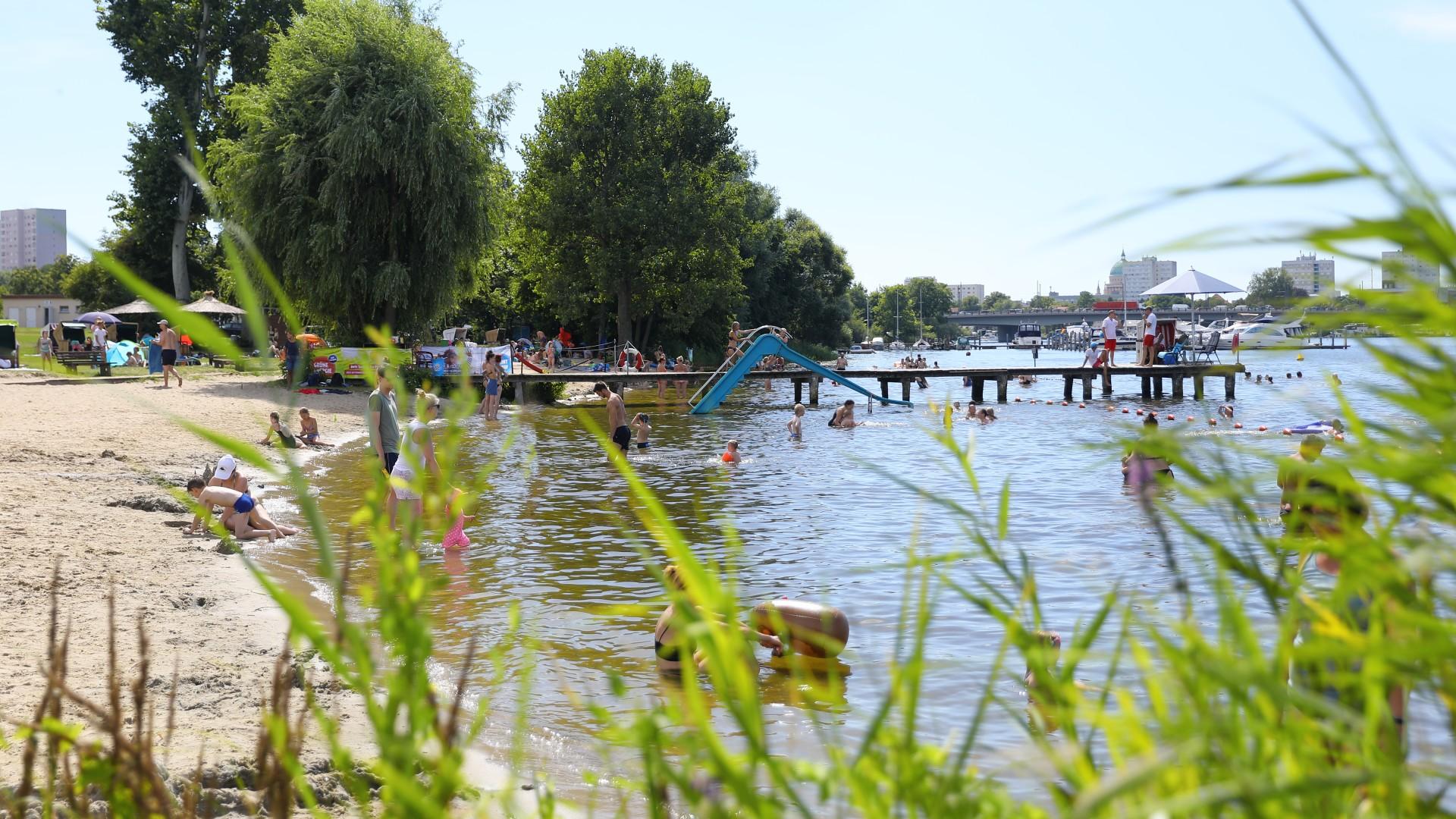 Strand im Stadtbad Park Babelsberg