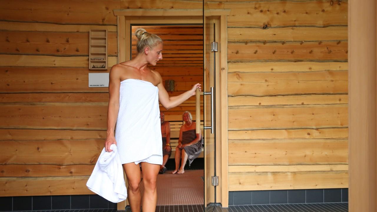 blu sauna eventsauna frau, © Kathleen Friedrich