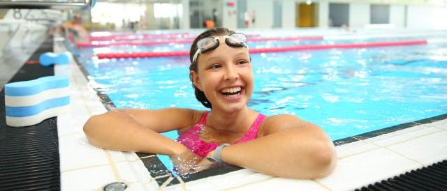 Schwimmerin im Sportbecken vom blu, © Kathleen Friedrich