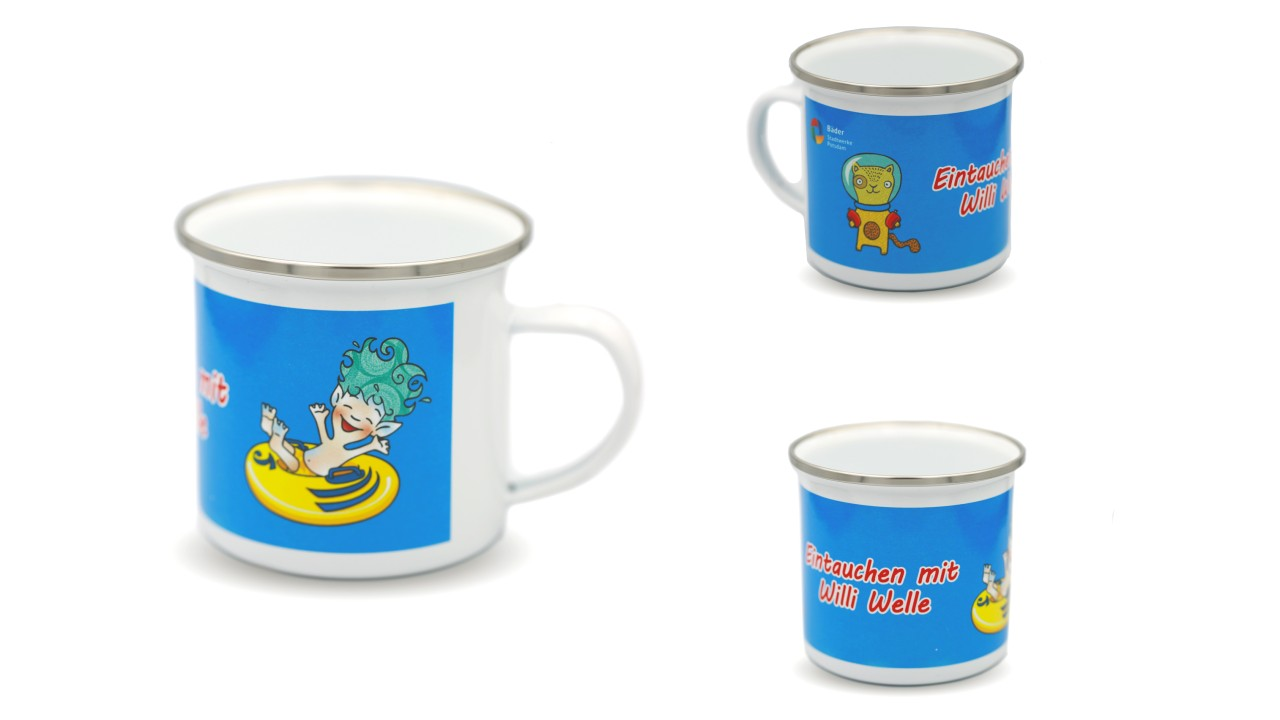 Kindertasse aus Emaillie mit Willi Welle Motiv, © Christian Becker