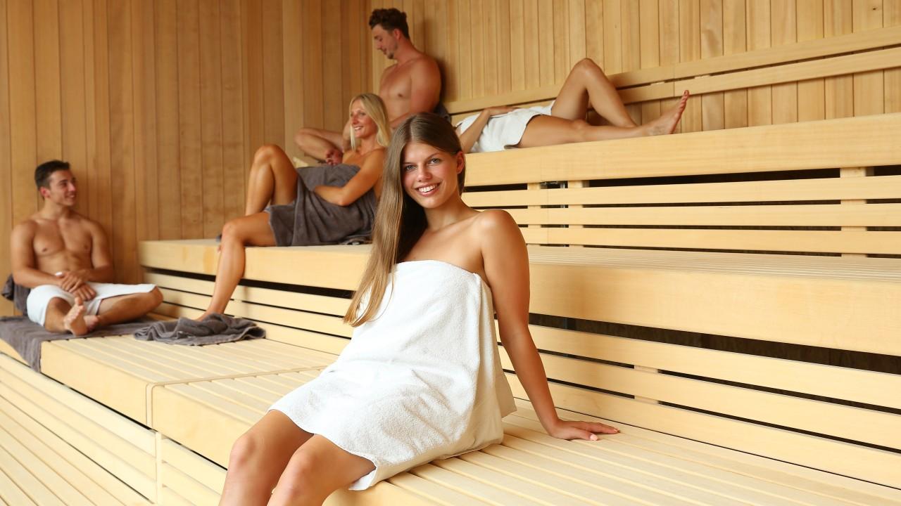blu sauna mentalsauna mit Panoramablick menschen , © Kathleen Friedrich