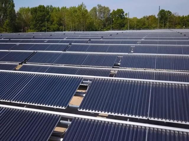 Potsdams größte Solarthermieanlage neben dem Heizkraftwerk Potsdam-Süd
