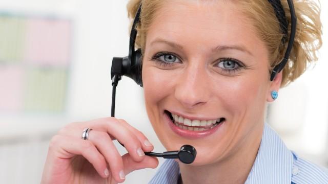 Frau mit Headset vom Kundenservice der Energie und Wasser Potsdam, © pictworks /Fotolia