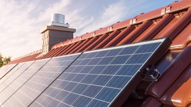 Photovoltaikanlage auf dem Hausdach, © tl6781 /Fotolia