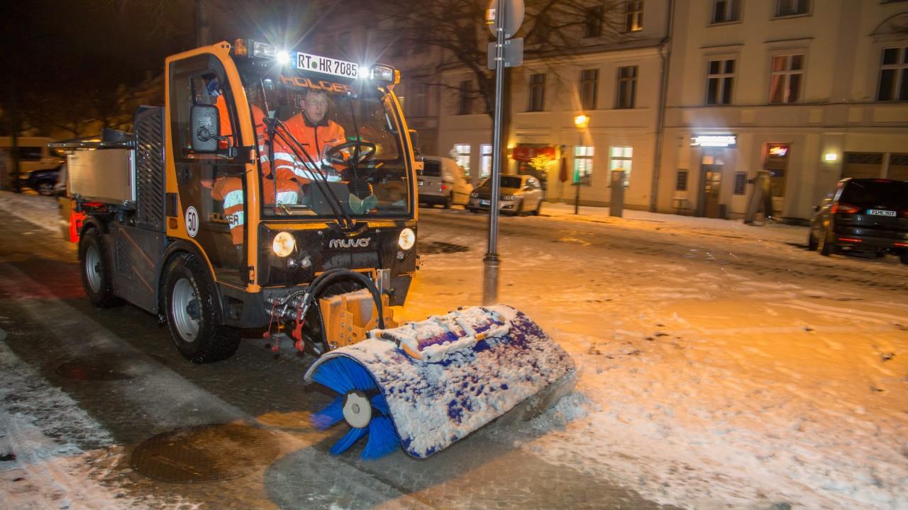 STEP Winterdienstfahrzeug im Einsatz, © Paulus