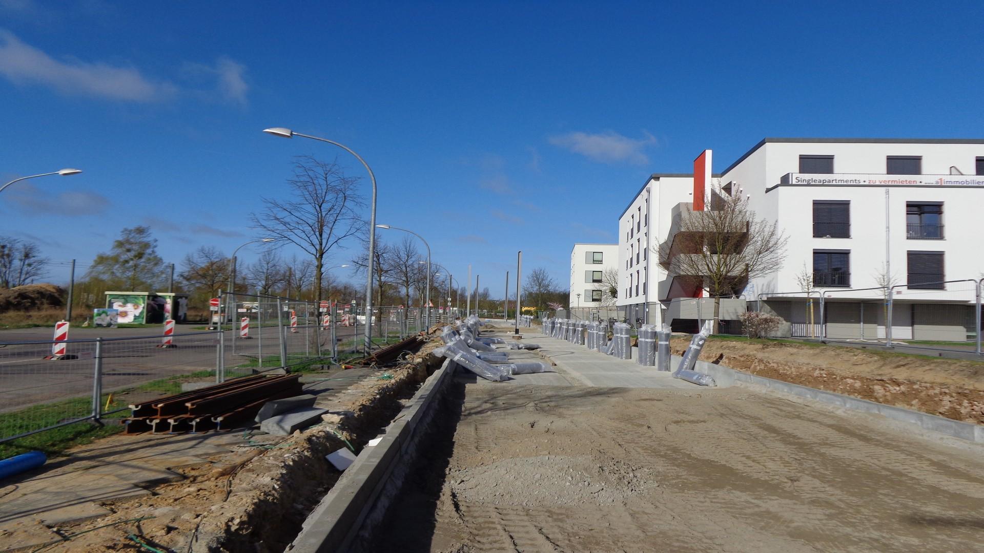 Straßenbahntrasse Georg Hermann Allee/Bereich Rote Kaserne 3