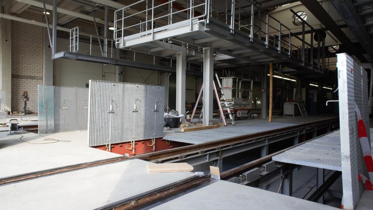 Werkstatt - Dacharbeitsstände, © Dirk Schwarzer