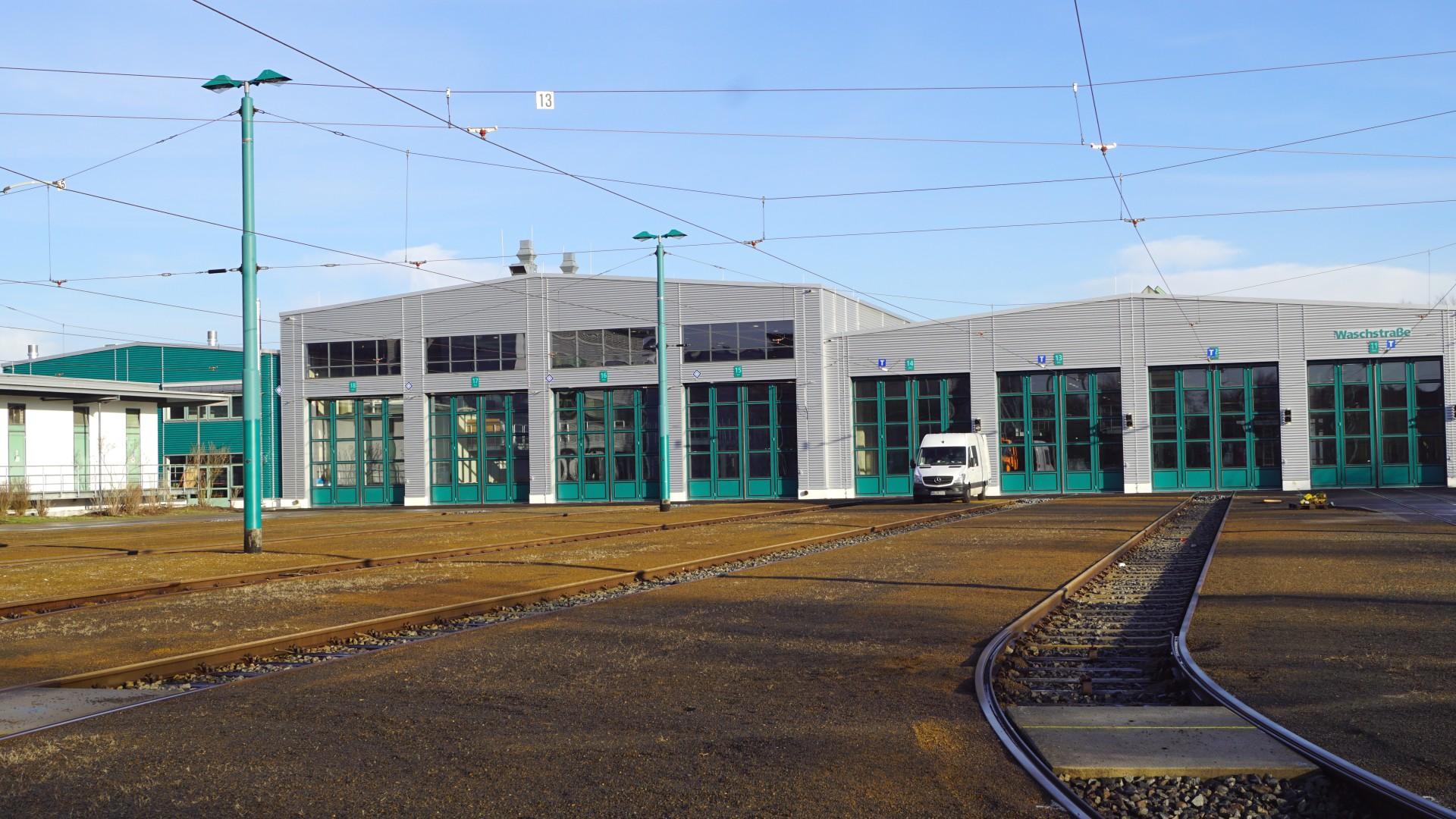 Werkstatthallenerweiterung auf dem Betriebshof ViP mit neuen Toren, © ViP
