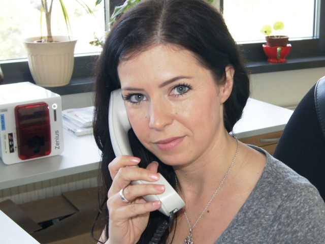 ViP Infotelefon, Mitarbeiterin am Telefon im Beratungsgespräch