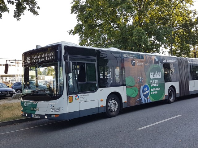 ViP Fahrzeugwerbung auf Bus, © ViP