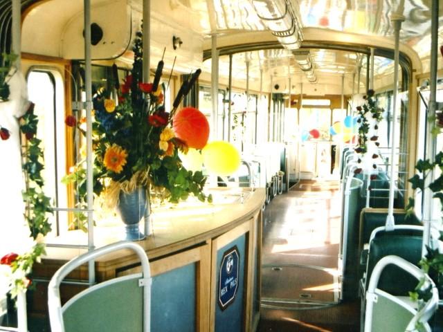 historischer Gotha-Wagen 177, Innenraum mit Tresen, © ViP