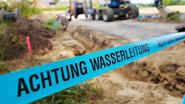 Die ersten Schritte zum Trinkwasser-Hausanschluss in Potsdam, © Christian Schwier /Fotolia
