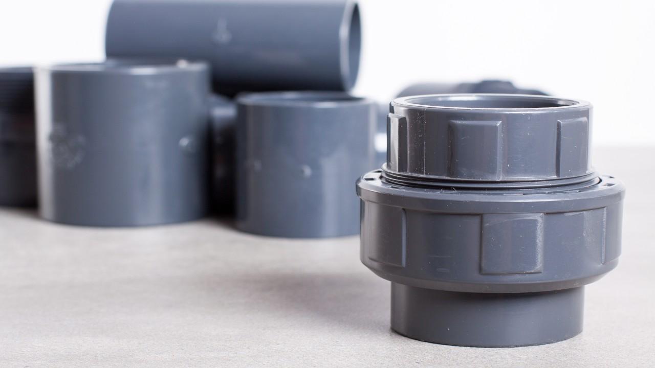 Kunststoffrohre eignen sich als Material für Wasserleitungen in der Trinkwasserinstallation im Haus, © cegli /Fotolia